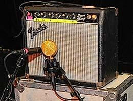 A Miked Up Small Fender Combo Amp
